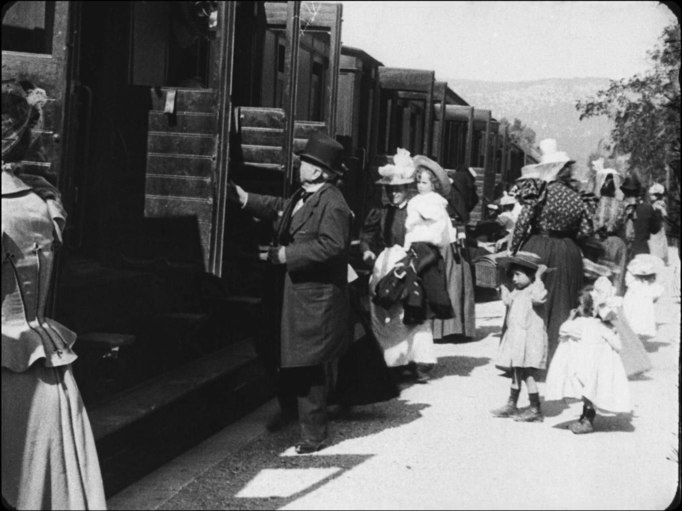 Galerie L'arrivée d'un train en gare de La Ciotat 3