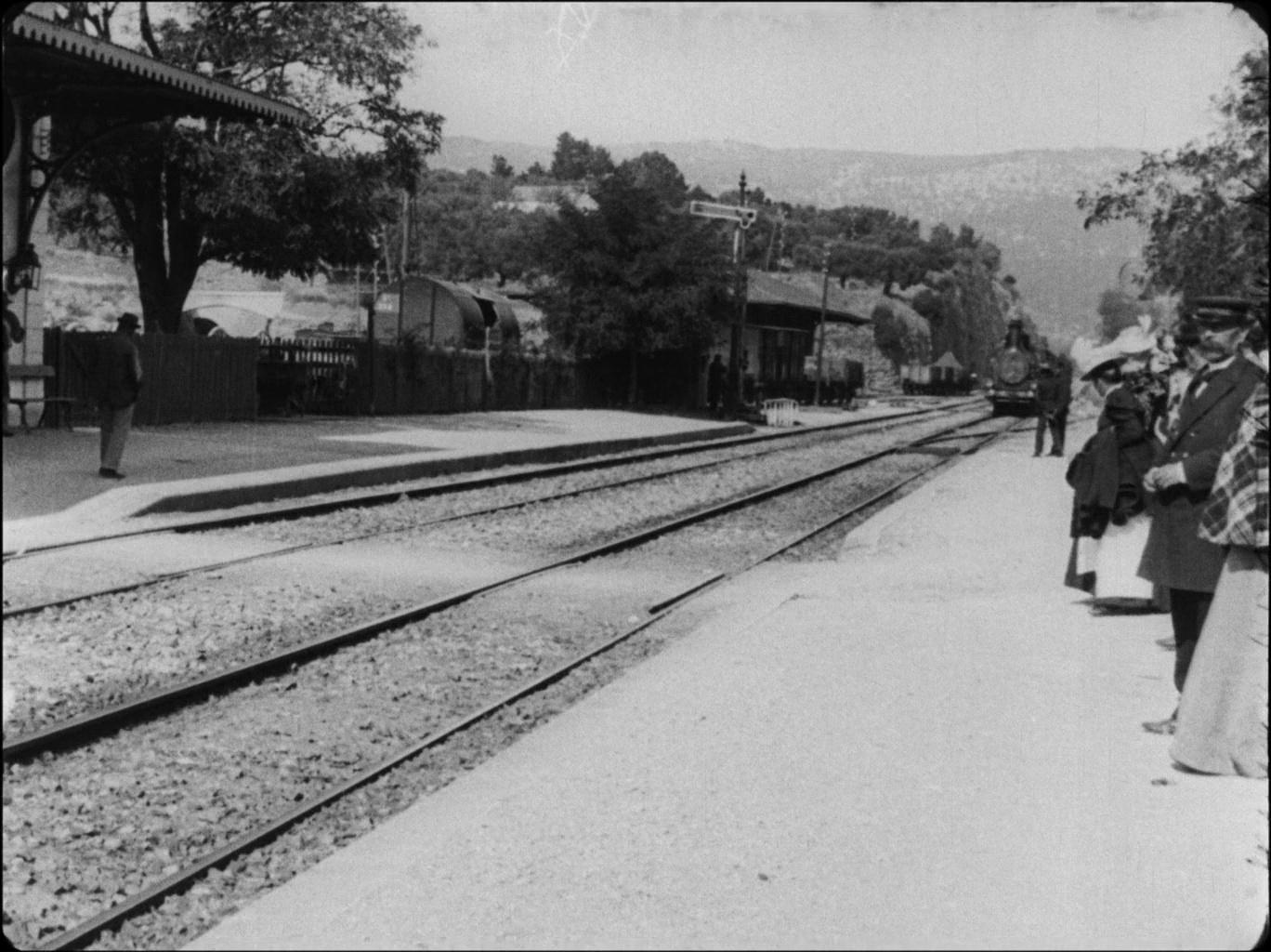 Galerie L'arrivée d'un train en gare de La Ciotat 1