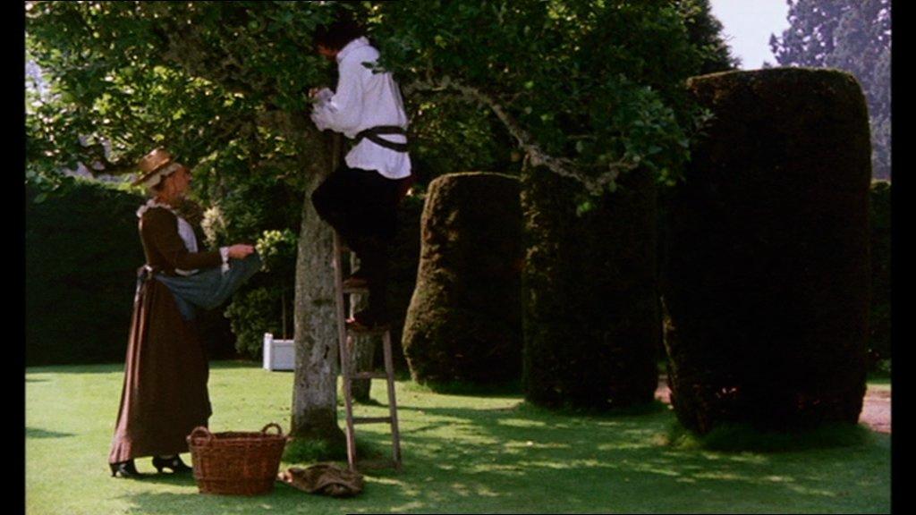 Meurtre dans un jardin anglais cin lounge for Dans un jardin anglais twilly